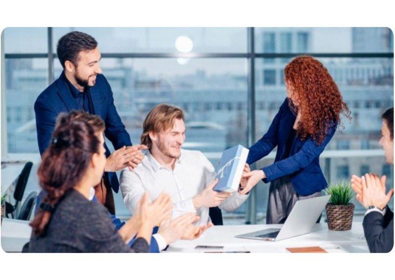 brindes-personalizadoos-como-estrategia-de-motivacao-dos-colaboradores-bolsas-termicas-260-800x568.jpg